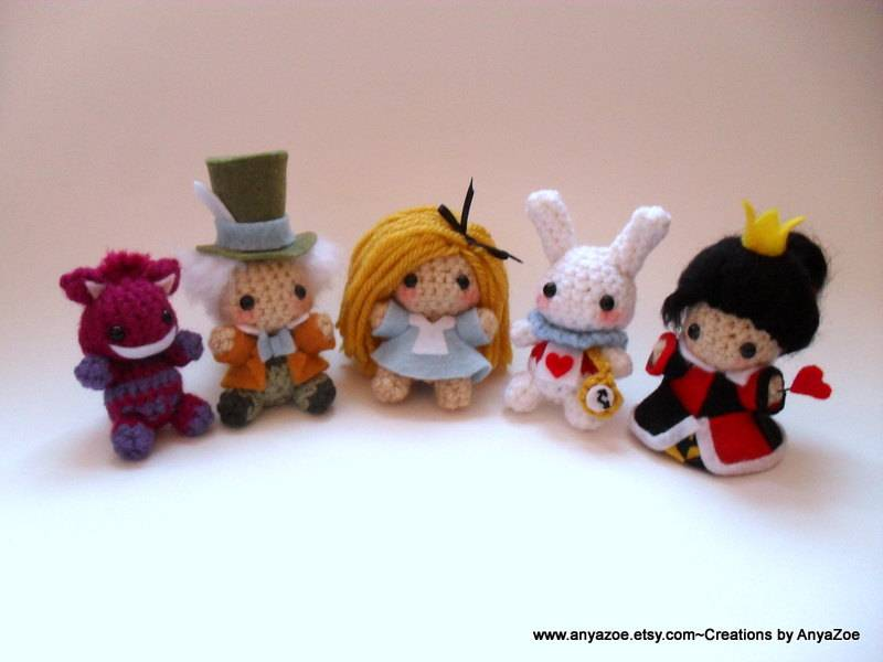 Alice in Wonderland Amigurumi