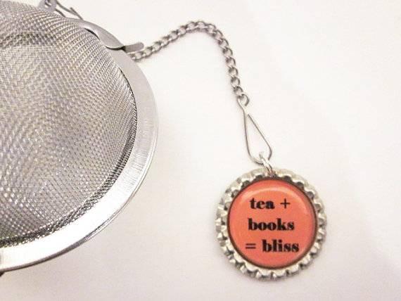 Tea book infuser