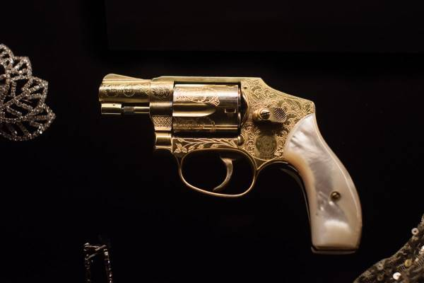 Miss Fisher's gun, as photographed by Paul Benjamin photography.