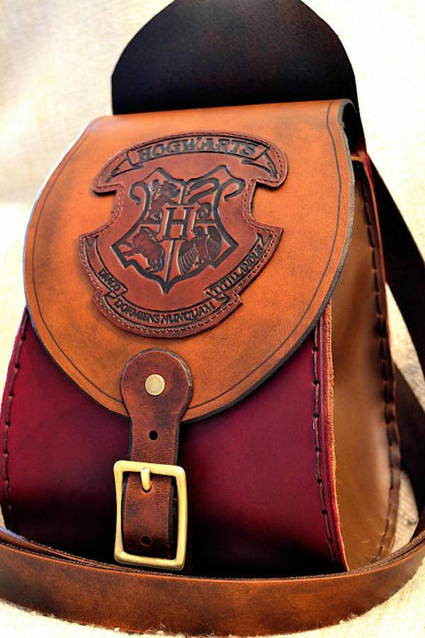 Hogwarts Bookbag From 10 of Etsy's Fanciest Book-Inspired Bags | BookRiot.com