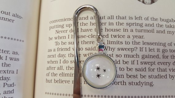 Harry Potter page stars dangling bookmark