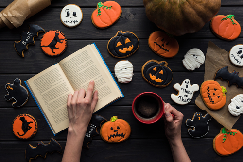 The Spooky Scary Book Tag!