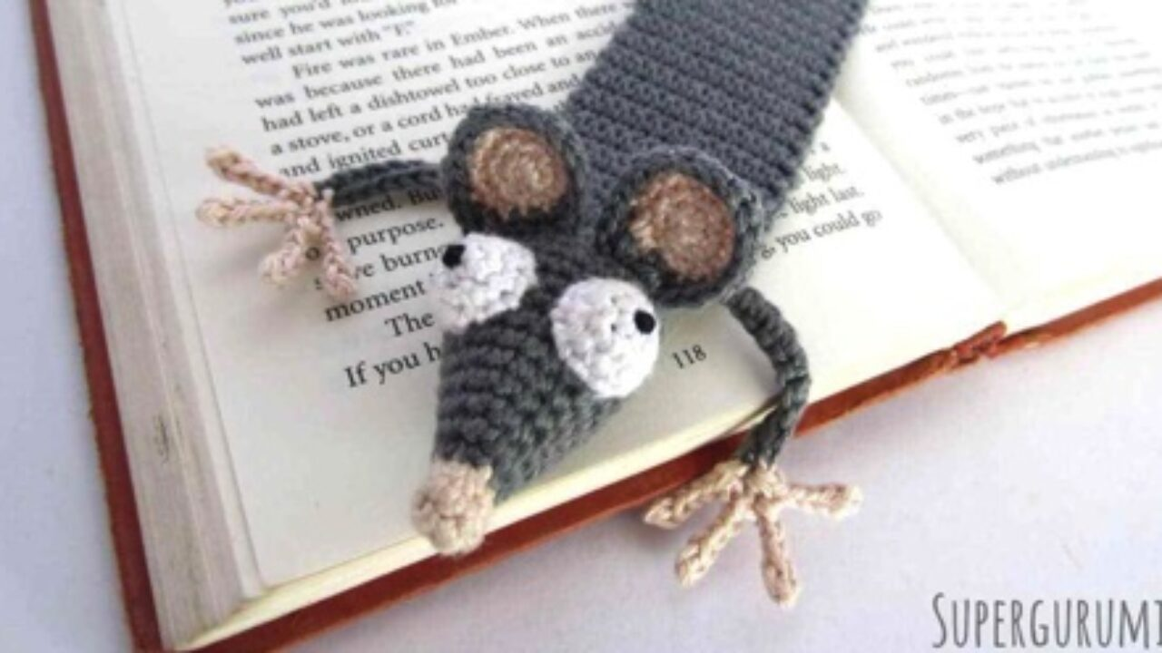 Crochet Crazy Cat Bookmark - Supplies - YouTube | 720x1280