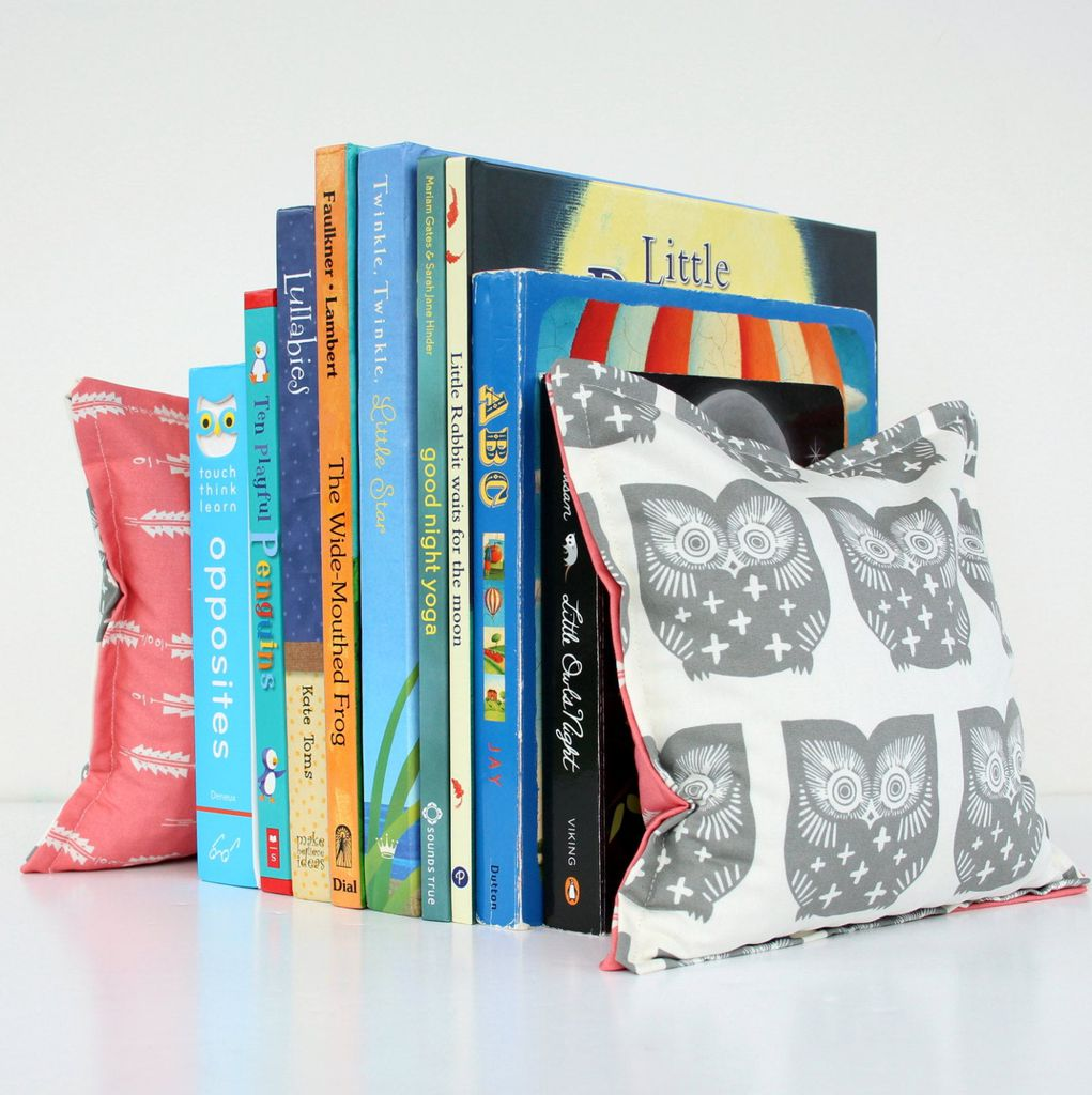 Fabric bookends from Etsy https://www.etsy.com/listing/507198609/owl-woodland-nursery-kids-bookends-child?ref=shop_home_active_28